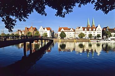 Untertrave Lower trave river, Marienkirche St. Mary's church, Luebeck, Schleswig Holstein, Germany, Europe
