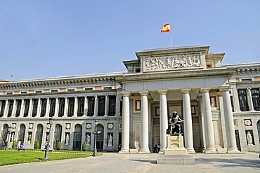 National flag, front, monument, entrance, Puerta de Velazquez, Prado, museum, Madrid, Spain, Europe