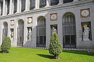 Monument, entrance, Puerta de Velazquez, Prado, museum, Madrid, Spain, Europe