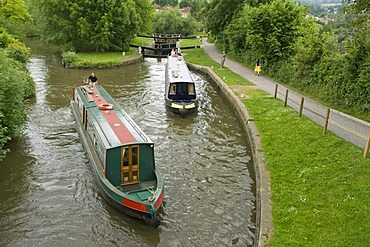 Two house boats, narrowboats at a floodgate, path, Bath, Avon Canal, Somerset, England, Great Britain, Europe