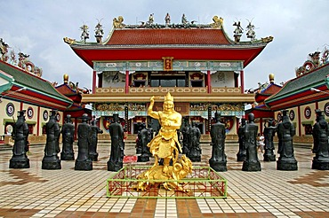 Statues in the inner courtyard, Chinese palace temple Viharnra Sien, or Anek Kusala Sala, Silverlake, Chonburi Province, Thailand, Asia
