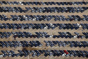 Aerial photograph, delivery parking area for new Astra and Zafira vehicles at the Opel factory, Bochum, Ruhr Area, North Rhine-Westphalia, Germany, Europe