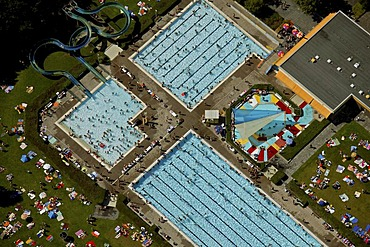 Aerial view, Freibad Berge, open air pool, during record attendance, Hamm, Ruhr Area, North Rhine-Westphalia, Germany, Europe