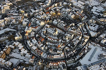 Aerial photograph, protestant Church of the Redeemer, historic town centre covered in snow, Luedenscheid, Sauerland, North Rhine-Westphalia, Germany, Europe