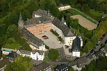 Aerial photograph, Berleburg Castle with Orangery, Bad Berleburg, Siegen-Wittgenstein district, Sauerland, North Rhine-Westphalia, Germany, Europe