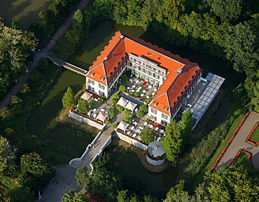 Aerial photograph, Schloss Berge, castle with park and Berger See, Gelsenkirchen-Buer, Ruhr Area, North Rhine-Westphalia, Germany, Europe