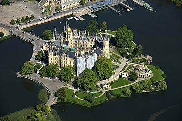 Aerial view, Schwerin Castle, Lake Schwerin, Schwerin, Mecklenburg-Western Pomerania, Germany, Europe