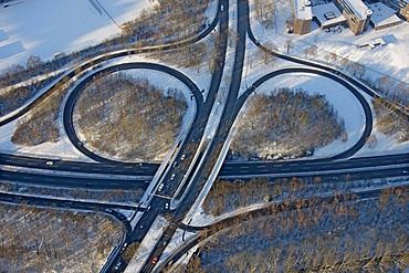 Aerial photo, city autobahn and exits, snow, Wiemelhausen Nordhausenring Universitaetsstrasse, Bochum, Ruhr district, North Rhine-Westphalia, Germany, Europe