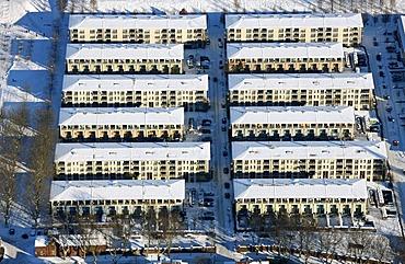 Aerial photo, Rheinstahlstrasse street, residential houses at the Prosperpark Park, IBA, International Building Fair, snow, Bottrop, Ruhr Area, North Rhine-Westphalia, Germany, Europe