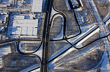 Aerial photo, autobahn A42, junction Gelsenkirchen-Bismarck, snow, Gelsenkirchen, Ruhr Area, North Rhine-Westphalia, Germany, Europe