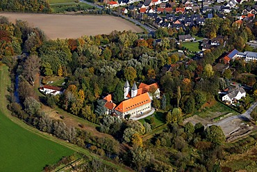 Aerial photograph, Premonstratensian monastery, Romanesque Collegiate Church of St. Maria and Andreas, Lippstadt-Cappel, Soest district, South Westphalia, North Rhine-Westphalia, Germany, Europe