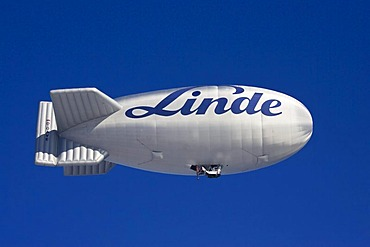 Zeppelin with Linde logo, Montgolfiade Bad Wiessee, Tegernsee, Bavaria, Germany, Europe