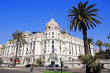 Hotel Negresco and palms, Nice, Alpes-Maritimes, Provence-Alpes-Cote d'Azur, Southern France, France, Europe