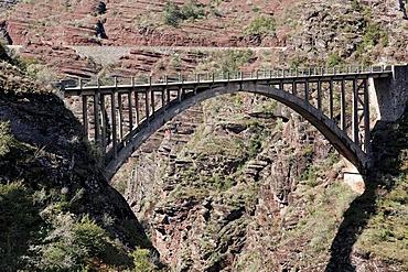 Bridge Pont de la Mariee, Gorges de Daluis, Alpes-Maritimes, Provence-Alpes-Cote d'Azur, Southern France, France, Europe