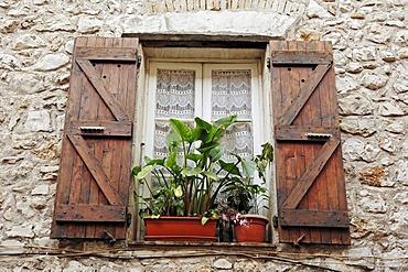 Window and shutters, La Colle sur Loup, Alpes-Maritimes, Provence-Alpes-Cote d'Azur, Southern France, France, Europe, France, Europe