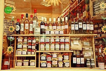 Bottles of wine and regional specialities in shop window, Entrevaux, Alpes-de-Haute-Provence, Provence-Alpes-Cote d'Azur, Southern France, France, Europe, France, Europe