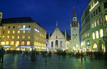 Marienplatz Square and the old town hall, Munich, Bavaria, Germany, Europe
