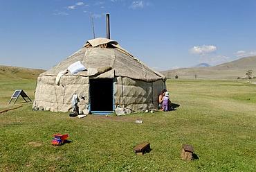 Altay yurt, Chuja Steppe, Sailughem, Saylyugem Mountains, Altai Republic, Siberia, Russia, Asia