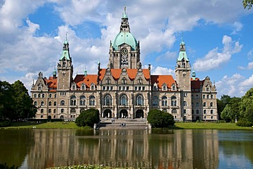 Town Hall reflected in a pond, Hanover, Lower Saxony, Germany, Europe