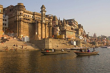 Darbhan Ghat, Varanasi, Benares, Uttar Pradesh, India, South Asia