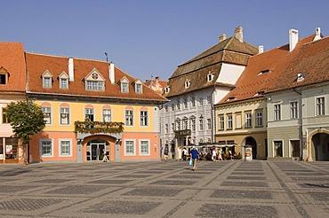 Plaza Piata Mare, Casa Lutsch, Sibiu, Transylvania, Romania