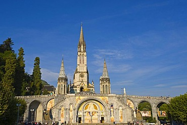 Rosary Basilica and the basilica of the immaculate conception, Lourdes, Midi Pyrenees, France, Europe, PublicGround
