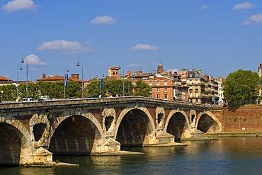 Pont Neuf Bridge, Toulouse, Midi Pyrenees, France, Europe