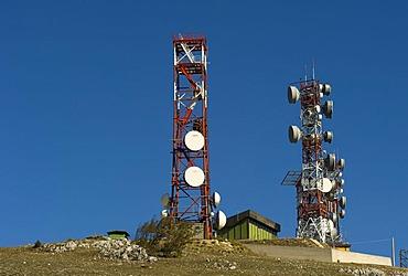 Radio antennas and mobile telephone transmitters, Monte Calvo, Abruzzo, Abruzzi, Italy, Europe