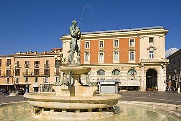 Fountain at the Piazza del Duomo, L' Aquila, Abruzzo, Abruzzi, Italy, Europe, PublicGround