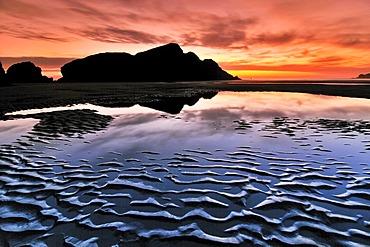 Sunset at Meyers Creek Beach, Pistol River State Park, Oregon Coast, Oregon, USA, North America