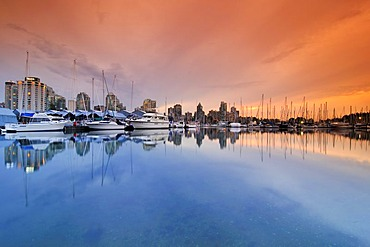 Yacht harbour and skyline in front of Coral Harbour, Vancouver, British Columbia, Canada, North America