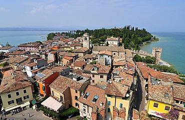 Sirmione, Lago di Garda or Lake Garda, Lombardy, Italy, Europe