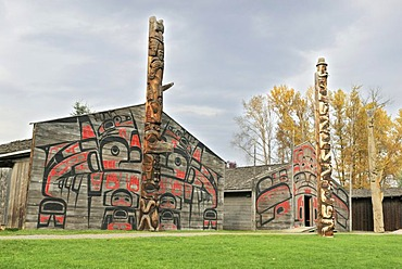 Native American naves and totem poles, museum village K'san, Hazelton, British Columbia, Canada, North America
