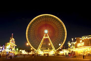 Ferris wheel at the Cannstatter Volksfest Fair, night shot, in Stuttgart, Baden-Wuerttemberg, Germany, Europe