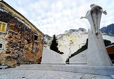 Modern marble monument for miners killed by accident, Colonnata, Carrara, Apennine Mountains, Tuscany, Italy, Europe