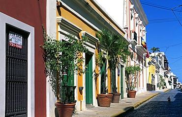 Row of houses, historic city centre, San Juan, Puerto Rico, Caribbean