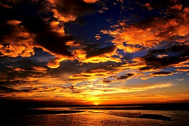 Beach sunset with rosy clouds, Taiwan, Asia