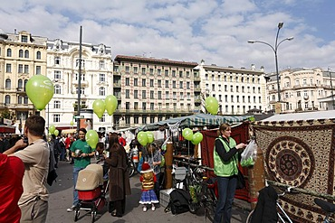 Flea market at the Naschmarkt, famous Viennese market, Majolikahaus, art nouveau house, Jugendstilhaus an Linke Wienzeile, Vienna, Austria, Europe