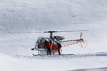 Helicopter near Zuers, Helikopter-Skiing, Heli-skiing, Vorarlberg, Austria
