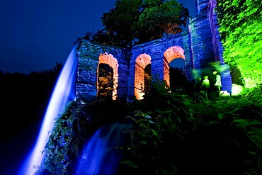 Aqueduct, lit-up trick fountains in Bergpark Wilhelmshoehe, Kassel, North Hesse, Germany, Europe