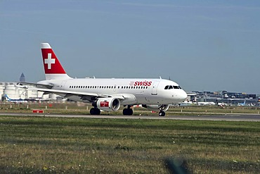 Swiss Airlines, airbus, A 319 starting at Frankfurt Airport, Frankfurt, Hesse, Germany, Europe