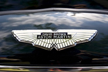 Aston Martin, David Brown, Logo