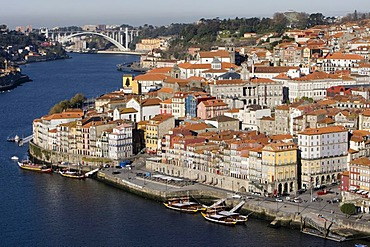 View of the historic town centre of Porto with the Rio Duoro River from the Vila Nova de Gaia quarter, at back the Ponte de Arrabida Bridge, Porto, UNESCO World Cultural Heritage Site, Portugal, Europe