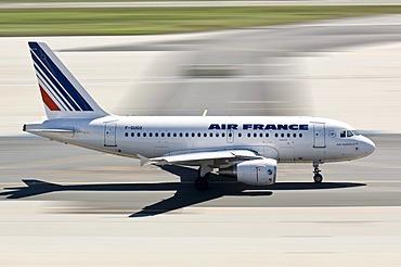Air France plane departing at Frankfurt Airport, Frankfurt am Main, Hesse, Germany, Europe