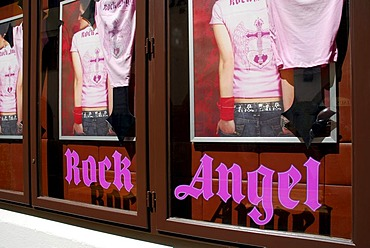 Hard Rock Cafe, bar with music at Platzl square, souvenir t-shirts reading 'Rock Angel', city center, Munich, Upper Bavaria, Bavaria, Germany, Europe