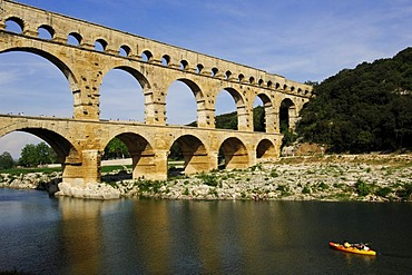 Aqueduct, Pont du Gard, kayaker, Provence, France, Europe