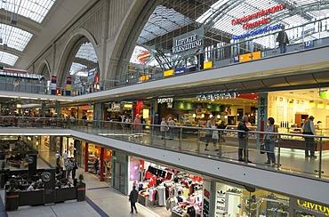 Promenade of the Leipzig Hauptbahnhof or Central Railway Station, Saxony, Germany, Europe