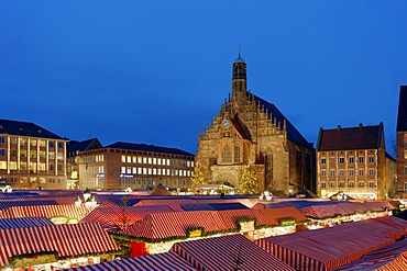 Christmas market, Frauenkirche Church, main market, historic city centre, Nuremberg, Middle Franconia, Bavaria, Germany, Europe