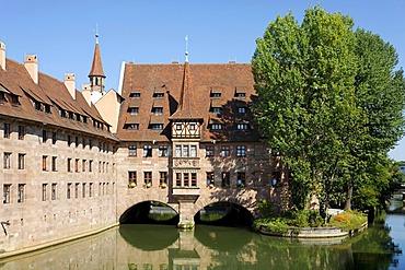 Heiliggeist Spital, hospital, Pegnitz River, old city, Nuremberg, Middle Franconia, Bavaria, Germany, Europe