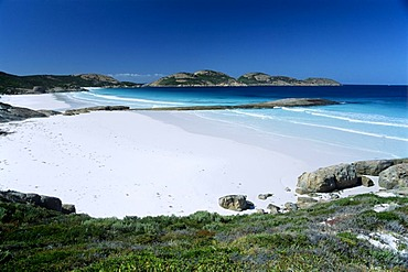 View over the white beach of the Lucky Bay, Cape Le Grand National Park, West Australia